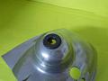 Průchodka plynového lanka do krytu karburátoru